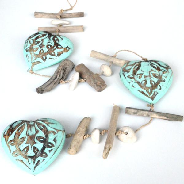 hanger-driftwood-hearts